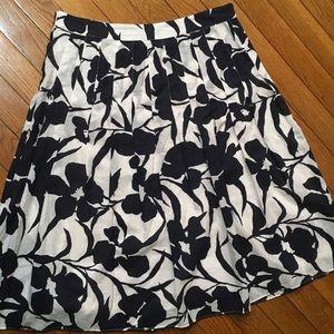 Anne Klein skirt. 4P.